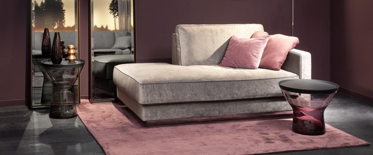 Christine Kröncke - Couper Sofa, Noxx Beistelltisch, Edge Spiegel
